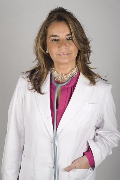 Artículo acerca de la Doctora Villares en Quality Clinic Febrero 2013